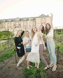 the etiquette of bachelorette parties martha stewart weddings