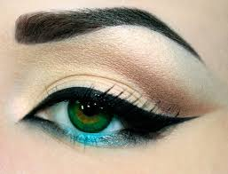 to do winged eyeliner with pencil