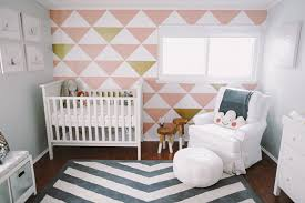 chambre bebe moderne chambre enfant moderne graphic wall nursery and babies