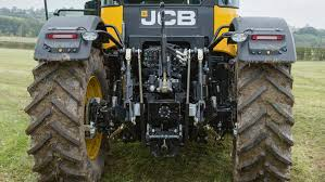 on test jcb goes back to go forwards with new fastrac 4000 series