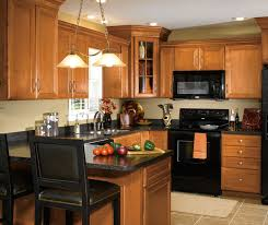 Maple Wood Cabinets In Traditional Kitchen Aristokraft - Kitchen cabinets maple