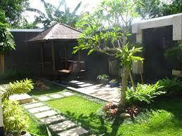 Small Tropical Garden Ideas Combine The Minimalist Garden Design With The Tropical Garden
