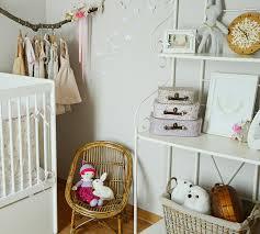 chambre fleurie chambre bébé fleurie avec du liberty bébé enfant et décoration
