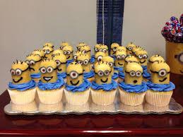 minion cupcake cake best 25 minion cupcakes ideas on kid cupcakes