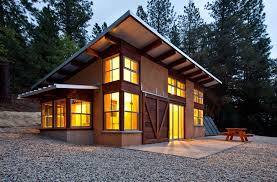 small cabin style straw bale walls nice sloped roof
