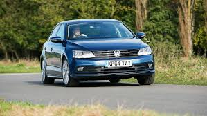 volkswagen gli hatchback vw jetta se 2 0 tdi 150 bluemotion technology 2015 review by car