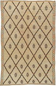 White Rugs Best 25 Vintage Rugs Ideas On Pinterest Carpets Boho Rugs And