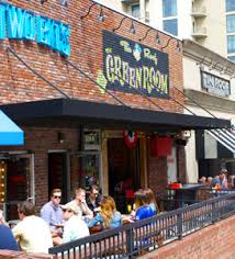 Comfort Inn Demonbreun Nashville Nashville U0027s Pet Friendly Hotspots Find Restaurants Parks And