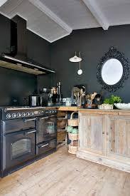 cuisine avec piano de cuisson exceptional cuisines blanches et bois 3 les 25 meilleures id233es