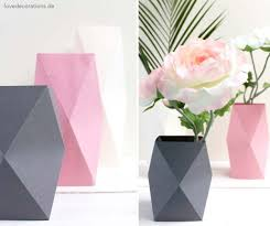 Simple Origami Vase - 40 best diy origami projects to keep your entertained today diy