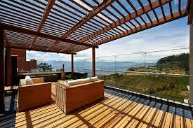 glas f r balkon windschutz für terrasse und balkon wählen 20 ideen und tipps