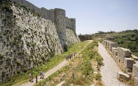 formidable fortresses u2013 20 imposing castles photo gallery