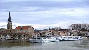 river cruise tipping in europe river cruise experts