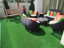 Patio Grass Carpet Use Of Artificial Grass To Fake A Grassy Patio At Your Home
