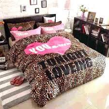 cheetah bedroom ideas animal print bedroom decorations cheetah print room ideas leopard