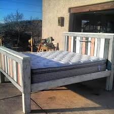 Platform Queen Or King Bed Woodworking Plans Patterns by 42 Diy Recycled Pallet Bed Frame Designs