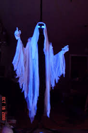 Diy Halloween Props And Decorations by Best 25 Diy Ghost Decoration Ideas On Pinterest Ghost