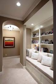 tips and tricks for decorating a hallway