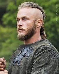 ragnar lothbrok cut his hair vikingsseason1 travisfimmel ragnarlothbrok ragnar kingragnar
