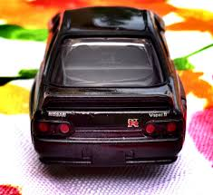 tomica nissan dream tomica no 141 nissan skyline gt r r32 initial d a photo