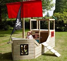 Pirate Ship Backyard Playset by Best 25 Pallet Pirate Ship Ideas On Pinterest Playground Ideas