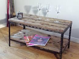 Table De Salon Industrielle by Une Table Basse Ou De Chevet Industrielle Indus Home Factory