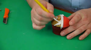 santa christmas cupcake cake decorating with paul bradford youtube