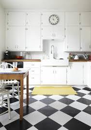 carrelage damier cuisine le carrelage damier noir et blanc en 78 photos archzine fr