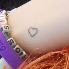 hayley williams heart wrist tattoo steal her style