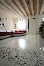 Pavimento In Resina Costo Al Mq by Pavimenti In Marmo Costi Con Pavimento Marmo Lucidare Levigatura