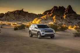 jeep grand cherokee trailhawk 2017 jeep grand cherokee trailhawk and updated summit launch in