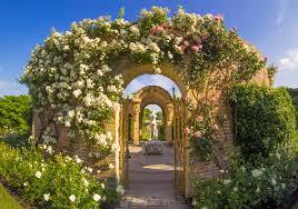 book your kent wedding at hever castle u0026 gardens