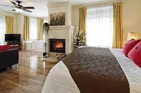 chambre foyer chambre les hydrangées avec foyer au bois et bain tourbillon lit