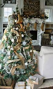 Shabby Chic Christmas Tree by Albero Di Natale Shabby Chic Holiday Decorating Pinterest