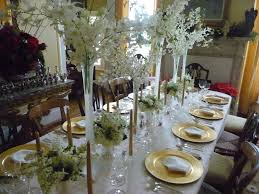 Elegant Christmas Decorating Ideas 2015 by Holiday Table Ideas With Oval Dining Table Decorate With Green And