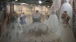 Buy Wedding Dresses How To Buy Wedding Dress Tips On Buying Your Wedding Dress
