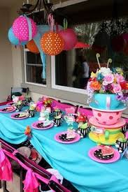 Alice In Wonderland Decoration Ideas It Feels Like You U0027ve Just Stepped Into A Disney Esque Version Of