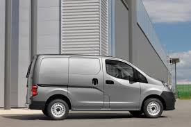 nissan nv200 nissan nv200 pictures nissan nv200 front road view auto express