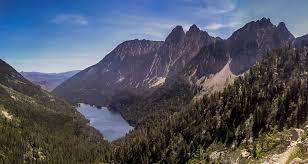 grande 馗ole de cuisine walking in aigüestortes i estany de sant maurici national park
