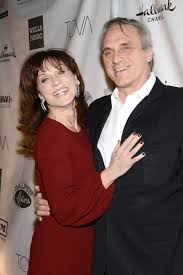 lou henner book marilu henner i saved my husband from cancer closer weekly