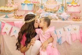 baby girl birthday themes charming princess themed baby girl birthday party inspiration 13