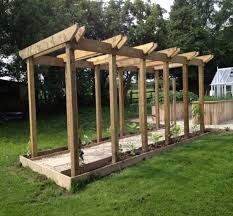 Pergola Covering Ideas by Best 25 Covered Walkway Ideas On Pinterest Carriage House
