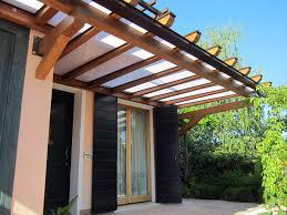 tettoie e pergolati in legno tpensilina contemporanea in legno e policarbonato ppp105