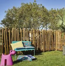 cloture jardin bois palissade claustra quelle clôture protège mon jardin des