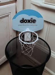 amazon com doxieball u2013 basketball trash can game toys u0026 games