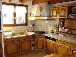 peindre cuisine rustique relooking de cuisine rustique comment relooker une cuisine rustique