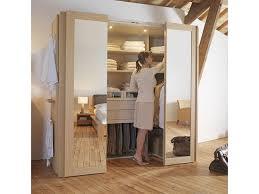 petit dressing chambre dressing cabine dans une armoire