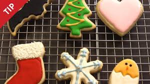 Icing To Decorate Cookies How To Decorate Cookies Like A Pro Chow Tip Youtube