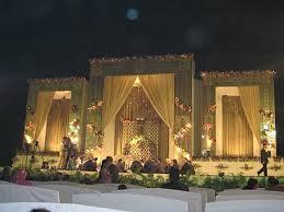 Beautiful Wedding Stage Decoration Get Striking U0026 Unusual Stage Decoration Ideas For American