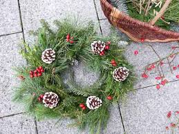 fashioned wreath from scratch sew historically